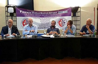 Vanaf links: bondscoach Marco Mazzieri, vice-voorzitter van de Italiaanse bond Massimo Fochi en sportwethouder Andrea Vannucci van de stad Florence bij de officiële presentatie van de Italian Baseball Week.