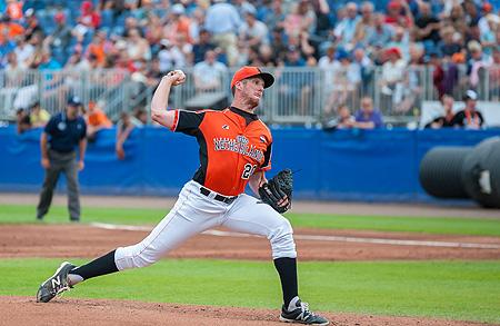 Mike Bolsenbroek werd winnend pitcher.