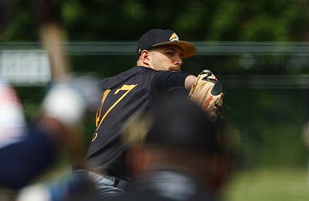 Pitcher Kyle Ward stond zeven innings lang geen punt toe.