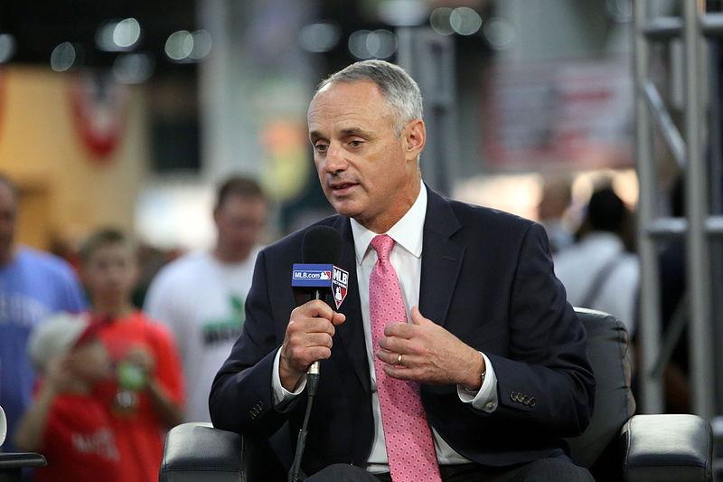 MLB Commissioner Rob Manfred is blij dat de MLB en de MLB Players Association tot een akkoord zijn gekomen over een nieuwe CAO. Foto: Wikimedia Commons