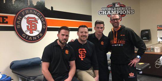 Op bezoek bij de Giants met de trainers van het Koninkrijksteam