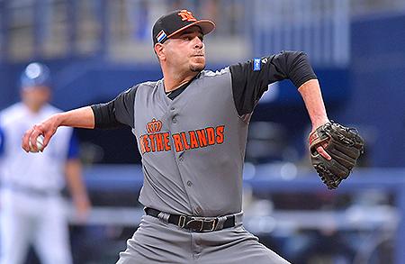 Startend pitcher Rob Cordemans moest drie punten toestaan in de eerste inning.