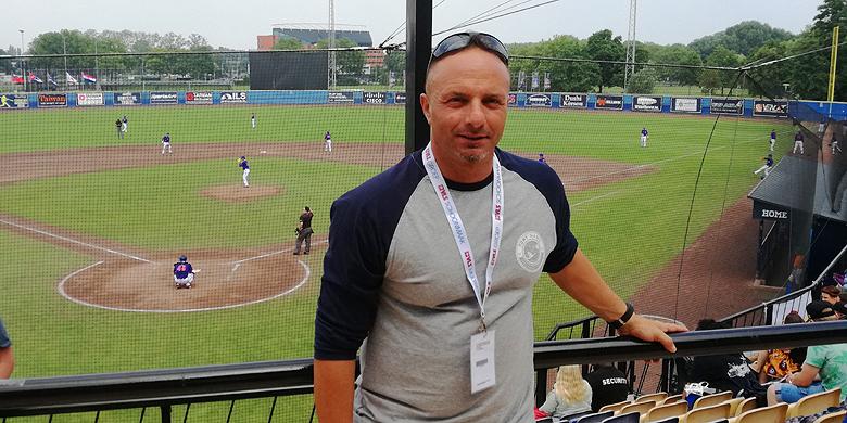 Scheidsrechter Fabrizio Fabrizi: van het Tokyo Dome naar het Neptunus Familiestadion.