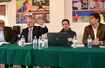 Dialoog begonnen, maar dreiging blijft in Italië