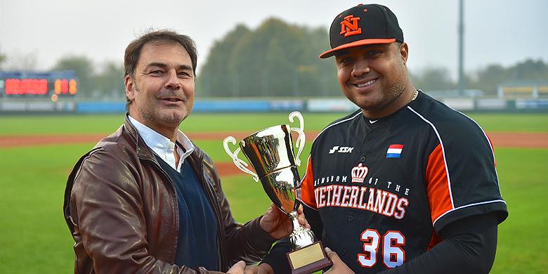 Het Nederlands Koninkrijksteam werd na 2009 voor de tweede keer op rij tweede tijdens de European Baseball Series.