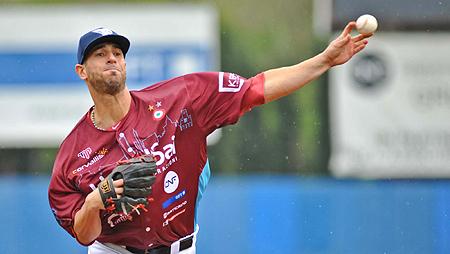 De Venezolaanse pitcher Antonio Noguera in actie voor Bologna.