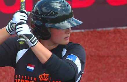 Nederland start verliezersronde met nederlaag