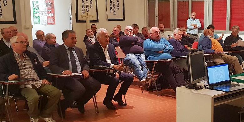 Clubs uit de Serie A1 luisteren naar de plannen voor het nieuwe seizoen.