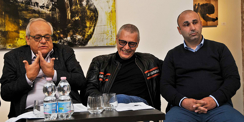 Clubvoorzitters Stefano Michelini (Bologna), Alberto Antolini (San Marino) en Simone Pillisio (Rimini) hielden een gezamenlijke persconferentie.