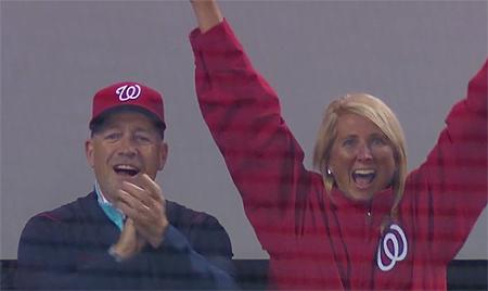 De ouders van Carter Kieboom waren aanwezig bij zijn debuut in de Major League.
