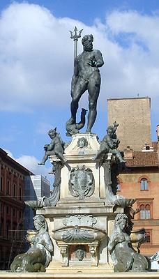 Het meer dan 450 jaar oude standbeeld voor Neptunus in de stad Bologna.