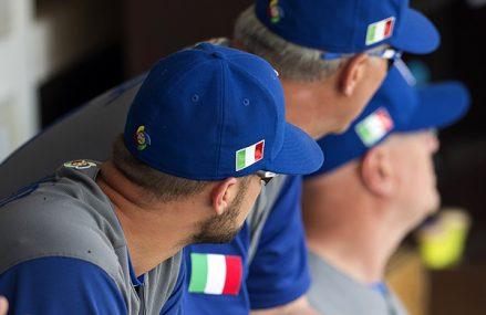 Italiaanse wolken stapelen zich boven Oranje dromen