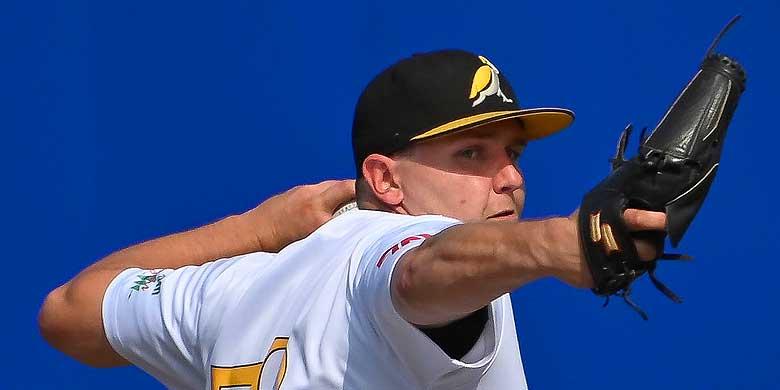 Jim Ploeger (L&D Amsterdam) was winnend pitcher.