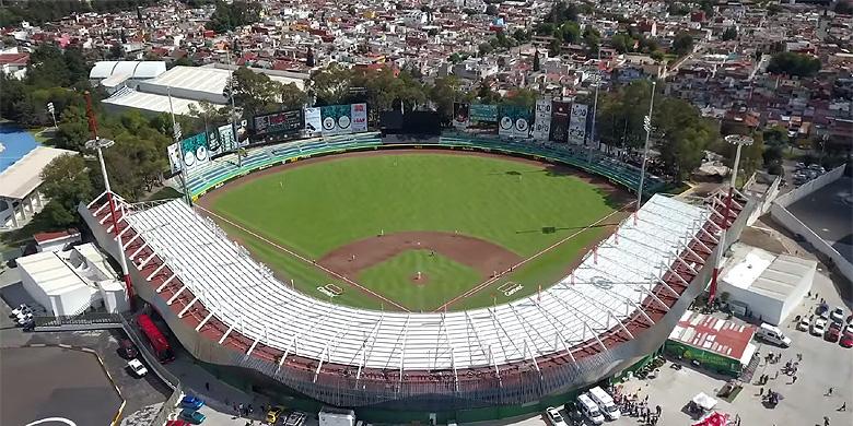 Bovenaanzicht van Estadio de Béisbol Hermanos Serdán in Puebla.